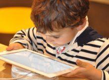 O que os pais ensinarem aos filhos ao navegarem na Web